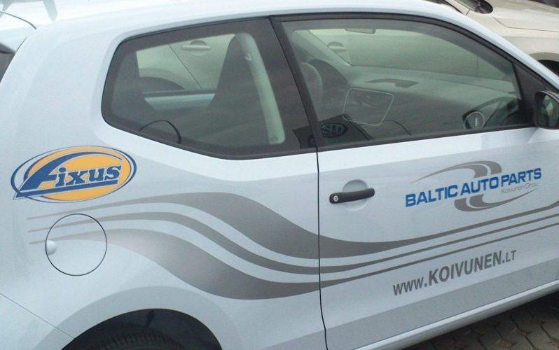 Transporto lipdukai su Koivunen logotipu