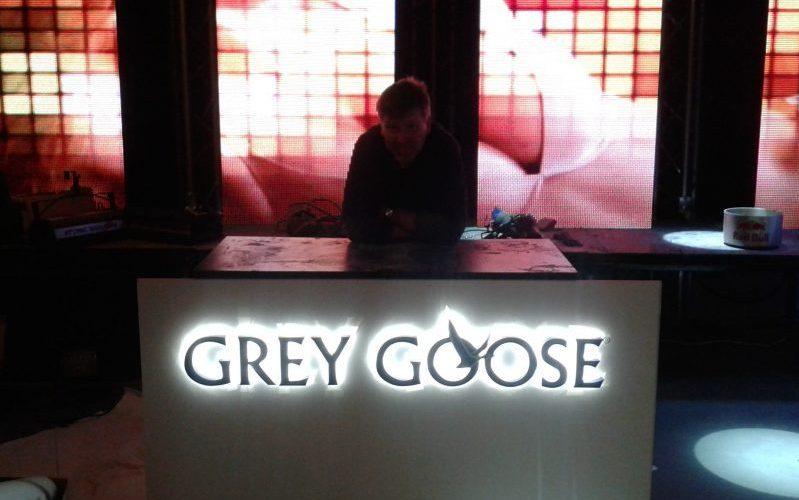 Vidaus reklama - tūrinės Grey Goose raidės