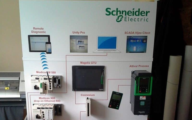 Vidaus reklama - Schneider Electric ekspozicinis stendas